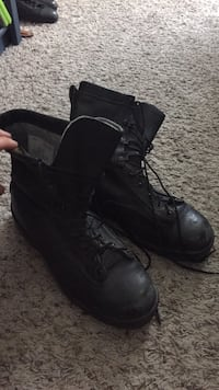Pair of black leather steal toe tactical boots Panama City, 32408