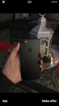 iPhone 7 works fine got it on Christmas brand new no iCloud or any lock Bakersfield, 93304