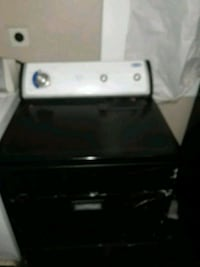 white front load clothes dryer New Orleans, 70117