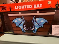 Totally Ghoul Lighted Bat Halloween Prop Reading, 19605