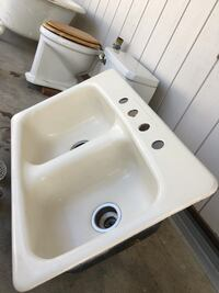 Antique 1920's toilet and kitchen sink.  Great condition! Los Angeles, 91042