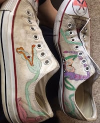 Handpainted Pink Floyd The Wall themed Converse 492 mi