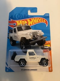 Hotwheels 1967 Jeep jeepster commando motorcycle on back diecast car