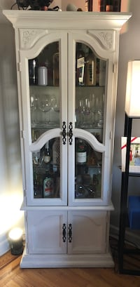 Antique China Cabinet New York, 11379