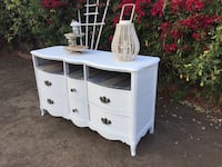Beautiful Vintage Cottage Chalk White Buffet, Credenza,Bureau French Provencial Solid Wood Gardena, 90249