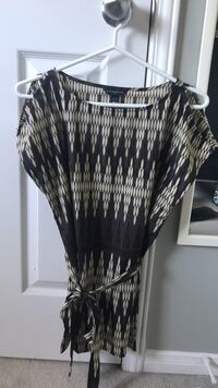 Banana Republic tunic with shoulder cut-outs Markham, L3P 6A7