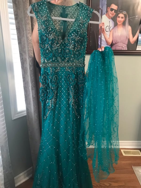 New Green dress  f74167fe-43be-451d-873a-88ff5bfd6888