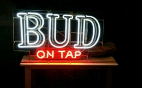 Vintage Signs For Sale >> Used Vintage Original Neon Beer Signs For Sale In Old Forge Letgo