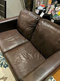 Chocolate brown authentic leather couch Markham, L3R