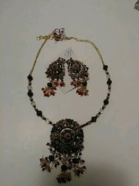Very Well Made Beautiful Necklace and Earrings Set Madison Heights, 48071