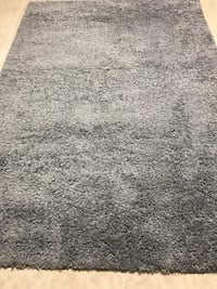 Gray accent rug From smoke free and pet free home  Columbia, 21045