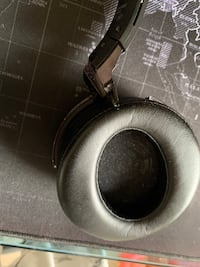 Sony wireless headphones with nice bass Annandale, 22003