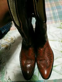 pair of brown leather cowboy boots Bakersfield, 93305