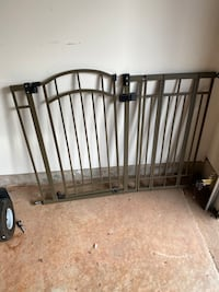 Collapsable Playpen and Adjustable Door Gate Ashburn, 20147