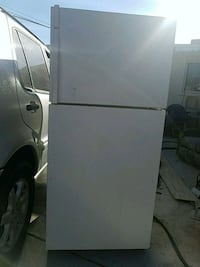 Kenmore Refrigerator works good! 3723 km