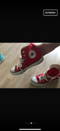 Rote, schwarze Converse All Star High-Sneakers Berlin, 13409