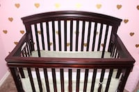 Crib and Dresser set Airdrie, T4B 3T7