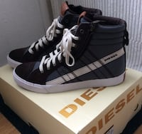 Diesel sko nye str EU43. Brand new shoes in box.