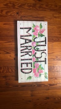 wooden just married sign Hartly, 19953