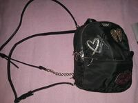 vs Bag St. Louis, 63110