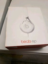 Beats EP On-Ear Headphones, White Las Vegas, 89122