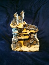 Wolf Statue Stands 12 inches Tall Palm City, 34990