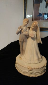 cake top musical bride and groom Gambrills, 21054