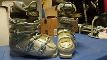 Women's barely used size 8.5 ski boots