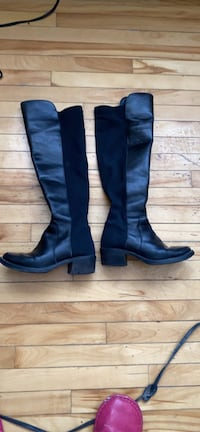 Ladiee boots size 6