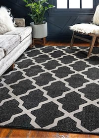 5 x 8 Grey Lattice Rug - brand new, still in package! Toronto