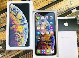 IPhone xs 256 gb great condition and unlocked