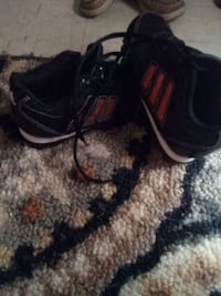 ADIDAS SOCCER CLEATS SIZE 11K