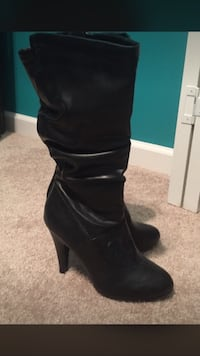 Black leather boots size 6 Pikeville, 27863