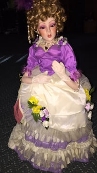 Porcelain doll from paradise galleries Conway, 29527
