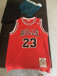 MJ Jersey, deadstock, made 1987 AUTHENTIC men's size medium  Calgary, T3H 3X3