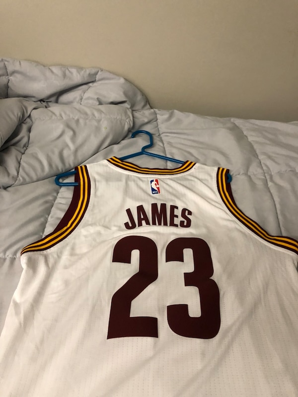 9335625519d9 Used Lebron James  23 Cavaliers Jersey
