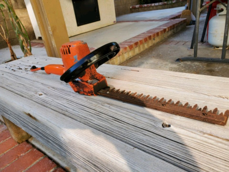 Photo Black and Decker Electric Hedge Trimmer (All Metal)
