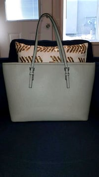 Grey tote bag Kelowna, V1W 5B2