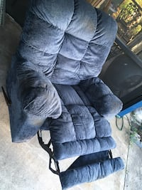 Oversized recliner, rocks and reclines  Melbourne, 32935