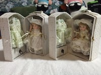 2 blonde haired girl dolls in boxes Whitestown, 13492