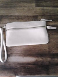 Womens Kenneth Cole REACTION wallet for $20 Kingston, K7M 1Y5