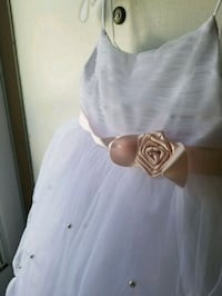 Flower girl dress size 5 Edmonton, T5L 2M2