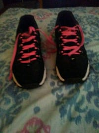 pair of black-and-pink Avia running shoes Ashland, 41101