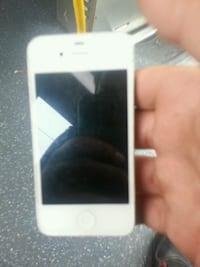 white iPhone 5 with case New Westminster, V3M