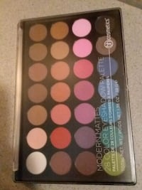 New Eye Shadow s 28 Different Colors