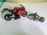 Toy Motorcycle and clock Mississauga, L4Z