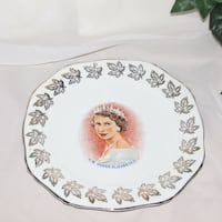 Queen Elizabeth 2 Collector Plate Alfred Meakin Royalty Mississauga