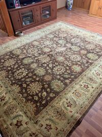 8 by 10 carpet custom made doesn't fit into new home decor  Mississauga, L5C 1Z8
