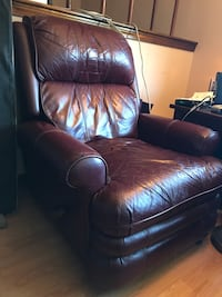 Very well loved leather chair Woburn, 01801