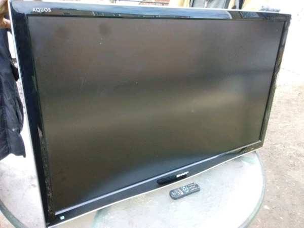 Sharp 46 inch LCD TV with remote control and 3 HDM 0cac48b7-171e-4ca4-821f-aae9dff6ef2d